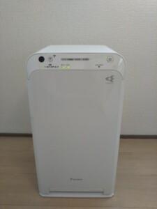 ウィルス抑制機能付き空気清浄機(施術部屋)